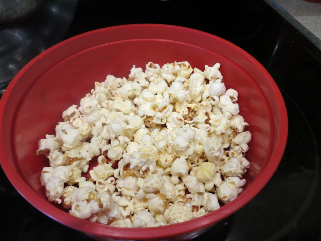 Make homemade popcorn for the perfect snack