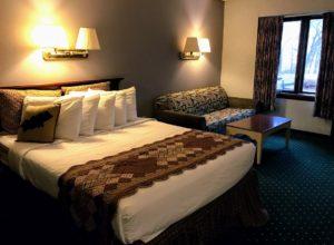 Room at Potawatomi Inn at Pokagon State Park