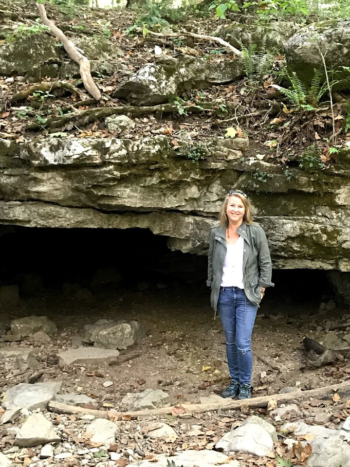 Exploring wolf cave at McCormick's Creek State Park + day trips in Indiana
