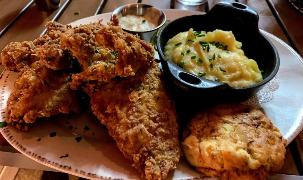 Fried chicken dinner at Chef Art Smith's Homecoming.